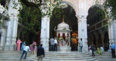 जन्माष्टमी पर सील हुआ वृंदावन का इस्कॉन मंदिर, पुजारी सहित 22 लोग कोरोना संक्रमित …