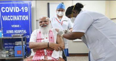 PM मोदी ने एम्स में लिया कोरोना का टीका, वैक्सीन पर सवाल उठाने वालों को दिया बड़ा संदेश