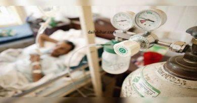 आक्सीजन खत्म होने से पांच की मौत, कोविड अस्पतालों में भगदड़, मरीजों को जबरन दी छुट्टी